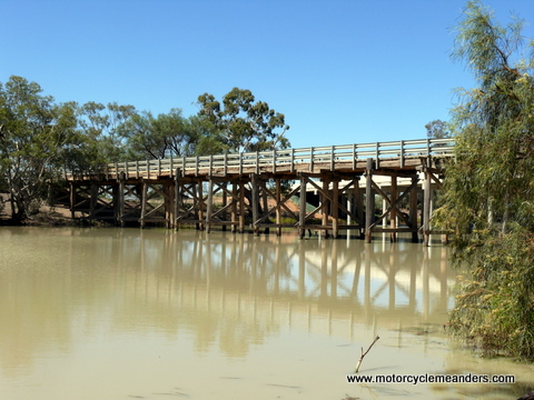 Old Anabranch bridge